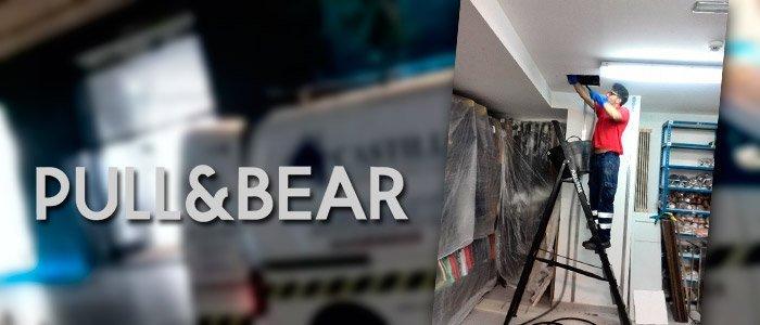 Desatasco en un Pull&Bear de Huelva