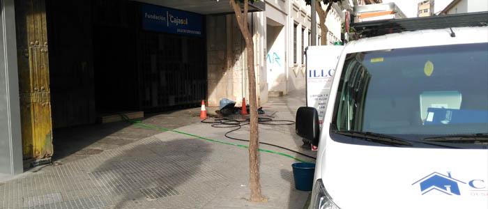 Servicio de desatasco en la Fundación Cajasol de Huelva